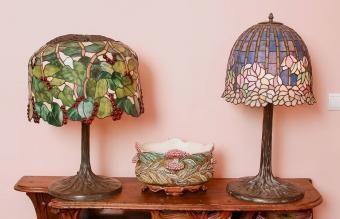 لامپهای عتیقه تیفانی: راهنمای شاهکارهای نمادین