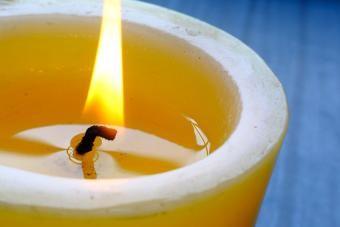4 Lilin Menyenangkan Dengan Hadiah Tersembunyi Di Dalam