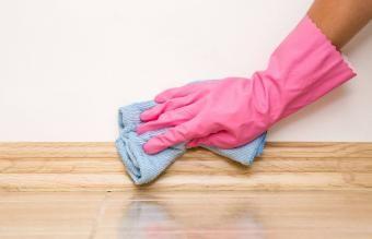 نحوه تمیز کردن بیس بورد در 5 مرحله آسان