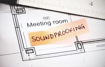 9 طرق بسيطة لعزل الصوت في أي غرفة