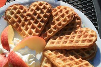 Como usar um ferro fundido waffle