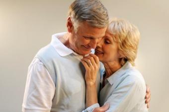 Impulsionadores de confiança para idosos sensuais
