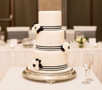 Fotos de bolos de casamento em preto e branco
